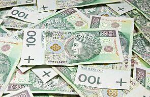 Fałszywy policjant wyłudził od starszej kobiety 80 tys. złotych