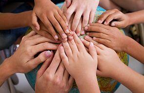 Czym jest Międzynarodowy Dzień Ludzkiego Braterstwa? Do jego promowania włączył się papież