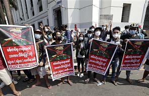 Birma: protesty przeciwko wojskowemu puczowi, policja użyła armatki wodnej