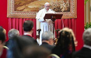 Papież wzywa do modlitwy za ofiary handlu ludźmi. Dołącz do internetowego maratonu modlitewnego