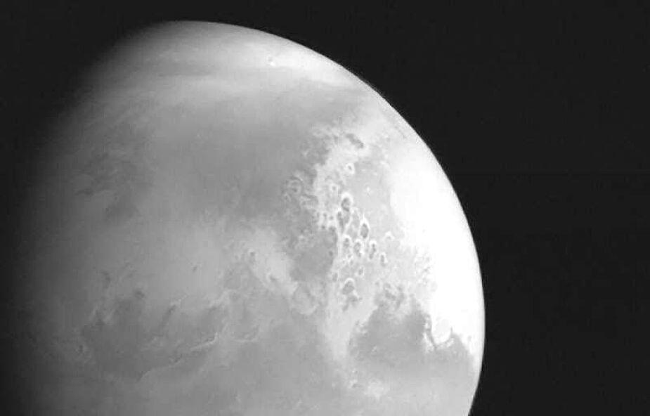 Chińska sonda lecąca w kierunku Marsa przesłała pierwsze zdjęcie planety