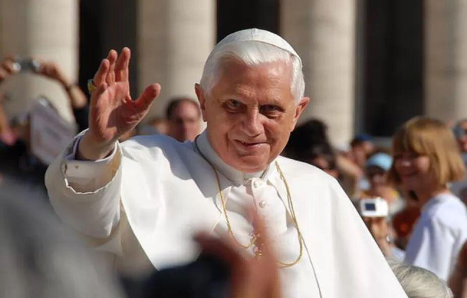 """Benedykt XVI w najnowszym wywiadzie mówi o abdykacji. """"Uważam, że dobrze uczyniłem"""""""