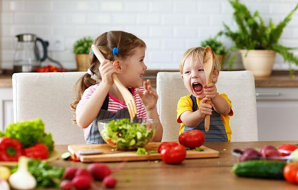 Jak nauczyć dziecko zdrowego odżywiania? Wystarczą te kroki