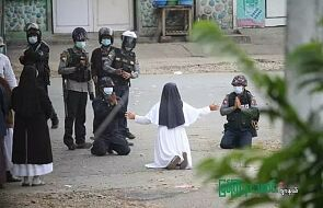 Dzielna zakonnica z Mjanmy. Siostra Ann Roza nadal próbuje powstrzymać przemoc modlitwą