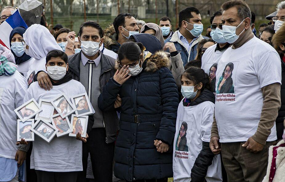 Francja:  ponad 2 tys. osób upamiętniło utopioną w Sekwanie 14-latkę