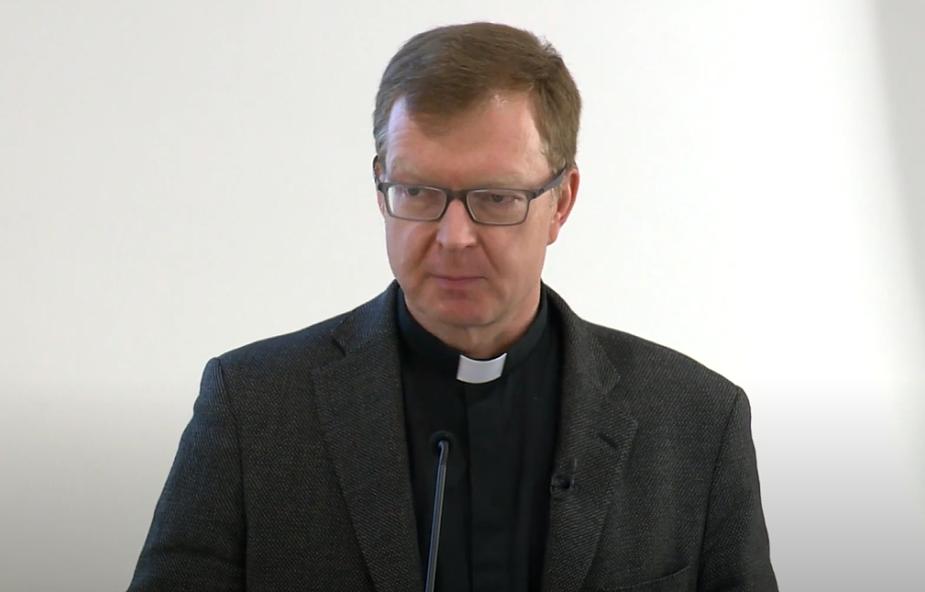 Ks. H. Zollner: nadużycia seksualne zawsze powinny być surowo karane