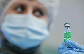 CBOS: ponad połowa dorosłych Polaków chciałaby się zaszczepić przeciw COVID-19
