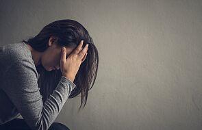 To międzynarodowy znak, którym posługują się ofiary przemocy domowej