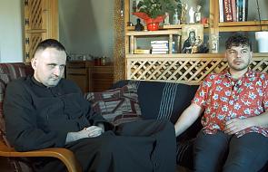 Ksiądz vs Raper. Tau i ks. Kuba Bartczak tworzą nowy projekt
