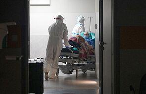 Już ponad 50 proc. miejsc w szpitalach tymczasowych jest zajętych. Widoczna trzecia fala