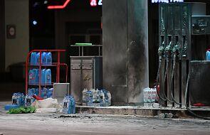 Mężczyzna, który podpalił się na stacji benzynowej trafił do szpitala w Krakowie