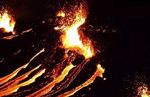 Trwa erupcja wulkanu na Islandii. Wyjątkowe ujęcia pokazują potęgę zjawiska