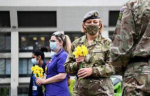 Wielka Brytania: w rocznicę lockdownu Brytyjczycy czczą pamięć ofiar epidemii