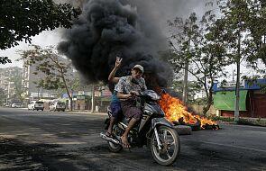 Reporterzy Bez Granic: wojskowi eliminują niezależne media w Birmie
