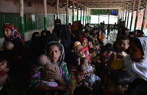 Bangladesz: trudne warunki dla uchodźców Rohingya. Prawie 50 tys. osób bez dachu nad głową
