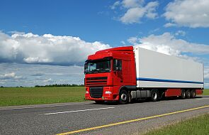 W. Brytania: od 6 kwietnia kierowcy ciężarówek muszą robić testy po przyjeździe