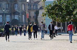 Ognisko koronawirusa pod Paryżem; nie żyją krewni 20 uczniów