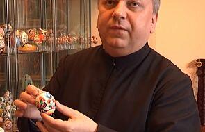 """""""Jajko zachwyciło także mnie"""". Zakonnik z Krakowa prezentuje niezwykłą kolekcję [WIDEO]"""