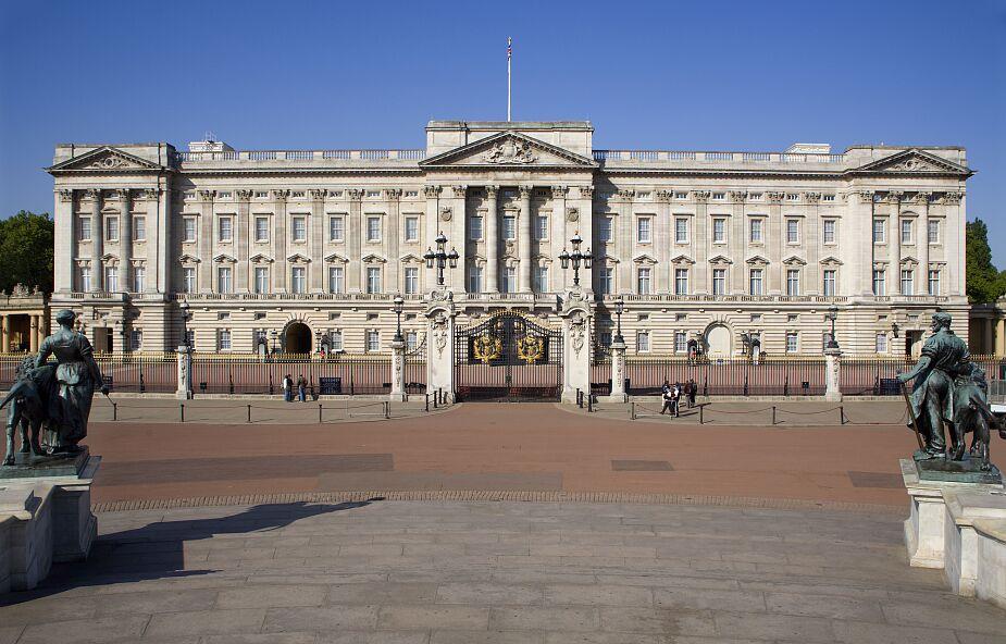 """Księżna Meghan oskarża Pałac Buckingham o """"utrwalanie nieprawdy"""""""