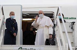 Franciszek wylądował w Bagdadzie. Rozpoczęła się historyczna pielgrzymka papieża