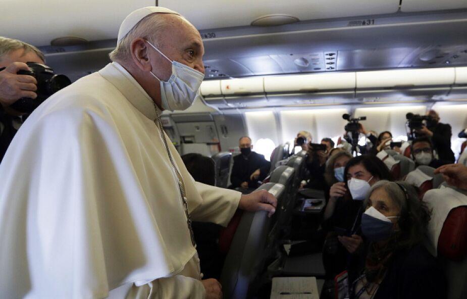 """Papież do dziennikarzy w samolocie: podróż do Iraku to """"obowiązek wobec tej umęczonej ziemi"""""""