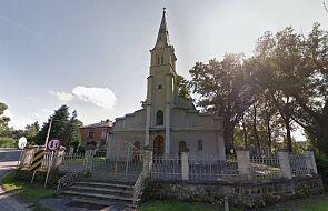 Urządzili libację w kościele, jeden z nich pobił proboszcza. Grozi im do 8 lat więzienia