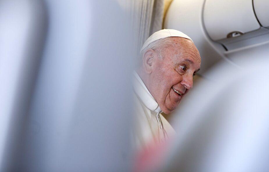 Papież opowiada dziennikarzom o podróży do Iraku
