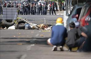 Birma: Policja strzelała do protestujących