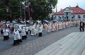 Watykan. Przygotowania do sympozjum na temat kapłaństwa