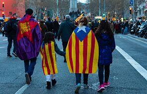 Katalonia się otwiera. Próbne nocne imprezy bez dystansu społecznego