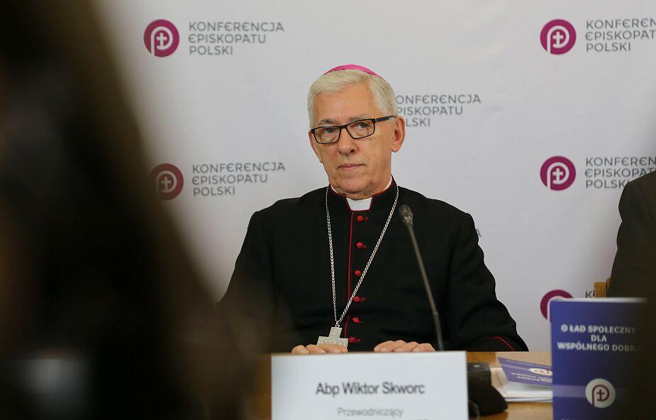 Abp Skworc: zbudowana na małżeństwie rodzina - fundamentem chrześcijańskiej cywilizacji