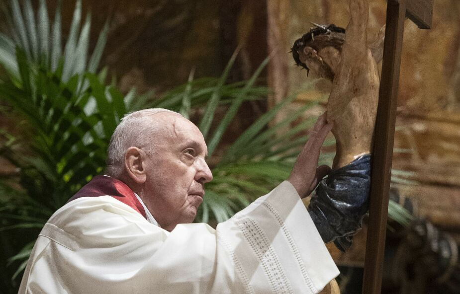 Papieska droga krzyżowa ponownie na placu Świętego Piotra