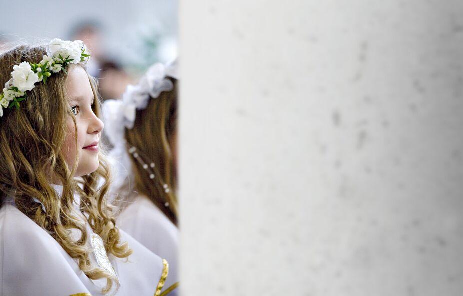 Archidiecezja warszawska wydała komunikat ws. organizowania I Komunii Świętych