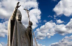 Sprofanowano pomnik Jana Pawła II we Francji