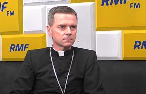 Bp Milewski: miłosierdzie Boże objawia się w czynach
