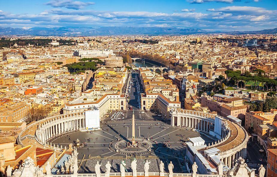 Watykan: wraca modlitwa na placu św. Piotra przy krzyżu ŚDM