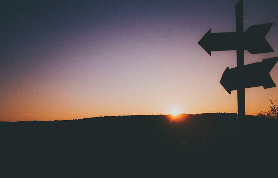 Nakazy czy zachęty? Co Biblia mówi o odkrywaniu powołania