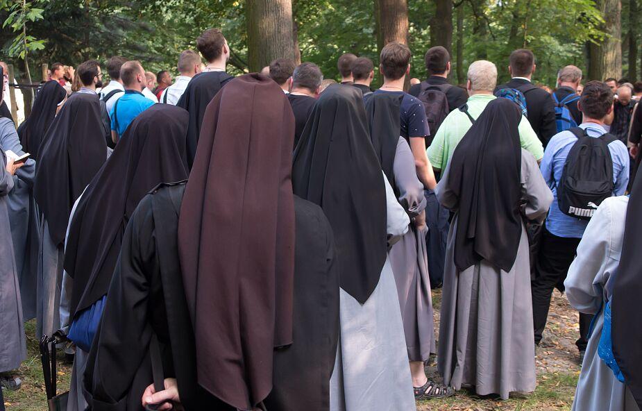 Ile jest powołań kapłańskich i zakonnych w Polsce?
