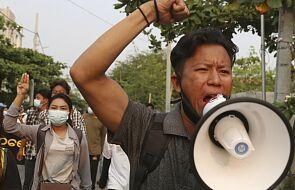 Dramat Birmy trwa. Ćwierć miliona ludzi wysiedlonych, a krajowi grozi wojna domowa