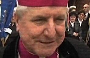 Bp Janiak wbrew nakazowi Watykanu przebywa na terenie diecezji kaliskiej