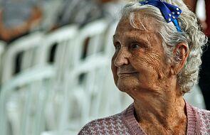 10 tys. potrzebujących seniorów dostanie karty na zakupy
