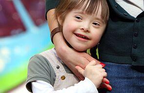 Obrońcy życia apelują o priorytetowe objęcie szczepieniami na Covid osób z zespołem Downa