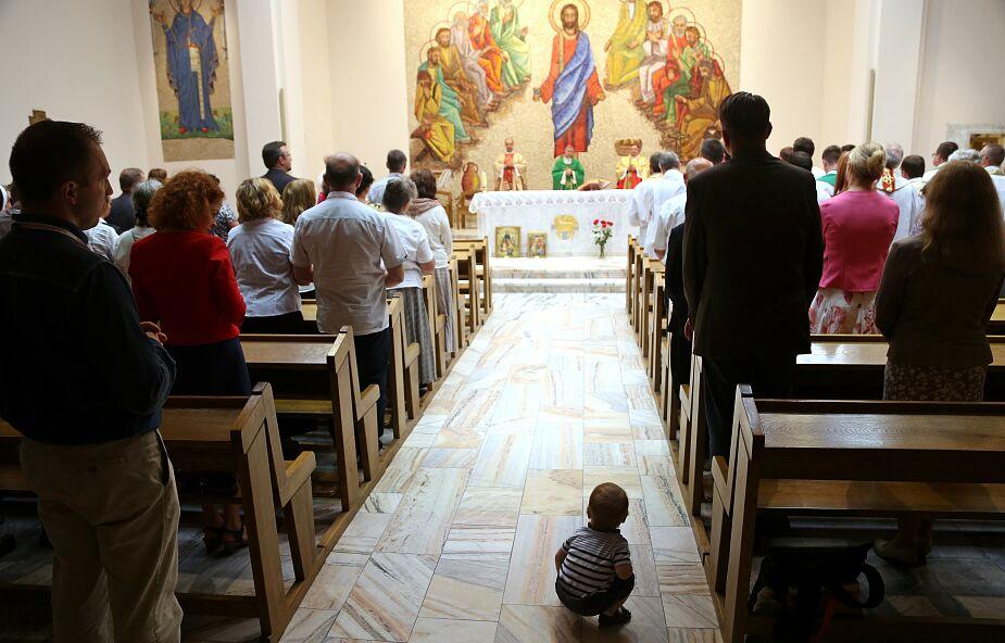 W Polsce brakuje księży. I mówi się w końcu o tym głośno