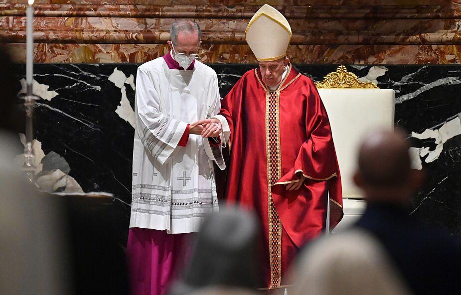Więźniowie wykonali paschał dla Papieża