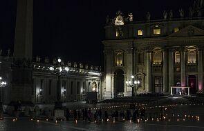 Watykan: trwa msza Wigilii Paschalnej - wcześniej z powodu godziny policyjnej