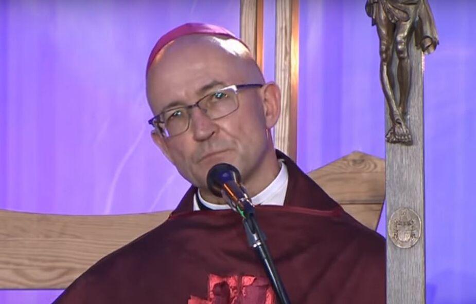 Bp Adrian Galbas: poszukiwać rozwiązań bez naruszania depozytu wiary