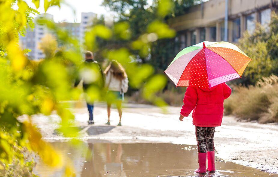 Pochmurno i deszczowo. Prognoza pogody na majówkę