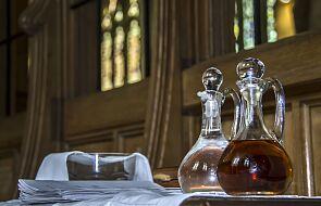 Biskupi wzywają: Eucharystia na pierwszym miejscu