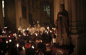 Diecezja paryska potępiła brak dystansu oraz masek podczas mszy