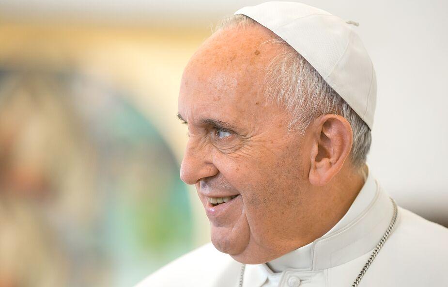 Papież: jesteśmy zanurzeni w rzece modlitwy, która płynie dłużej niż my